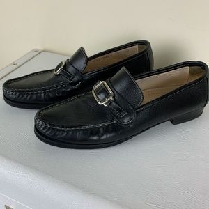 Cole Haan Women's Black Loafers w/Silver Buckle 9M